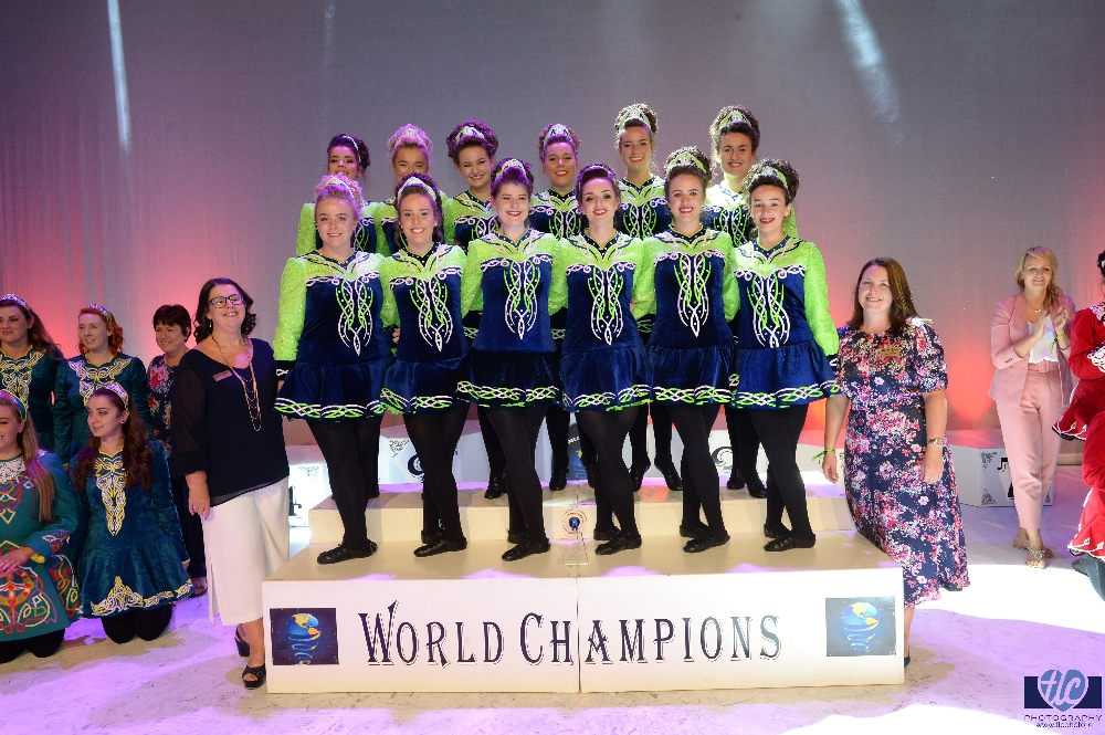 Sinsear Foirne World Champions and teachers